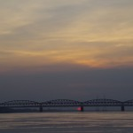 【インド】バラーナシ写真(ガンジス川夜明け)