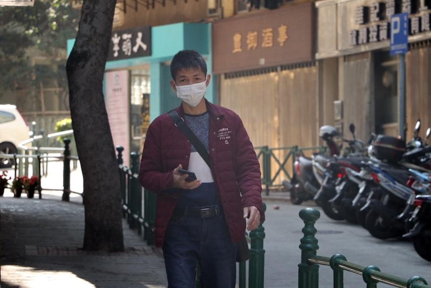 中国マスク青年