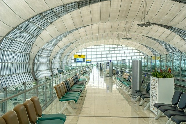 閑散とした空港