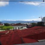 コスタリカ4日目。サンホセからバスでカリブ海側のプエルトビエホへ。